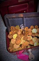 Stahlkasse mit Münzgeld